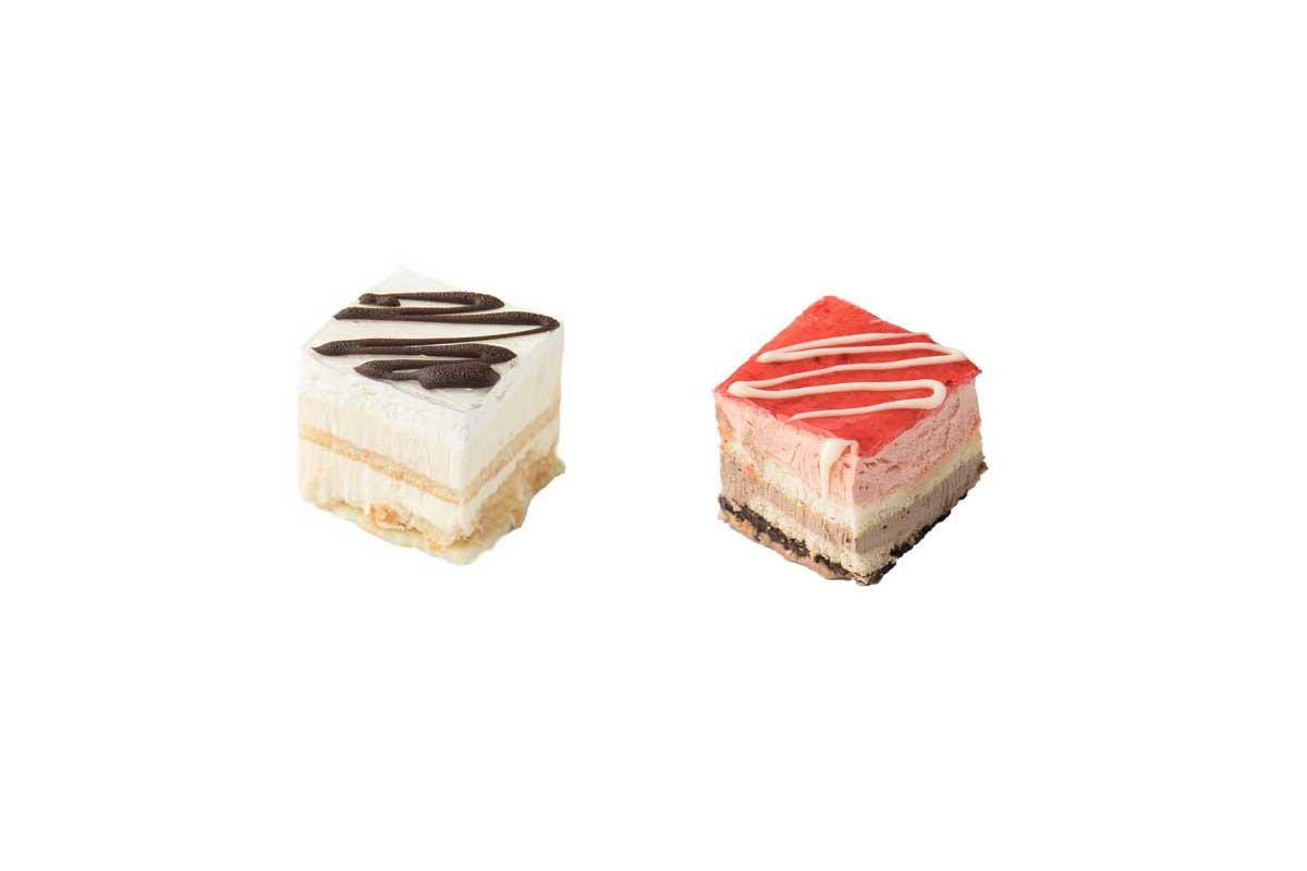 vanilla-strawberry mini cake combo