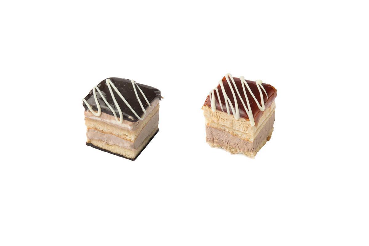 chocolate-caramel mini cake combo