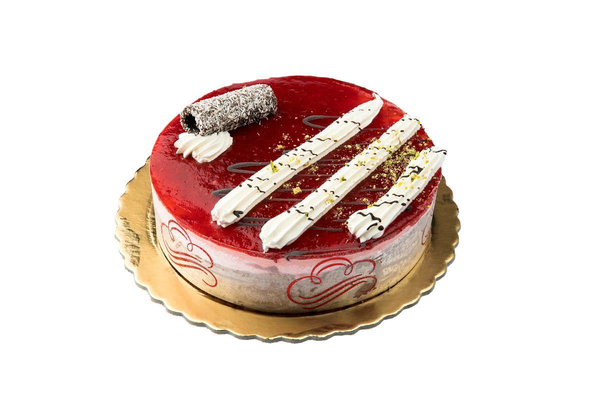 cocoa-strawberry ice cream cake